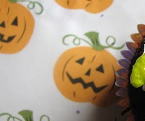 How to Make Halloween Cupcake Toppers Out of Marshmallows